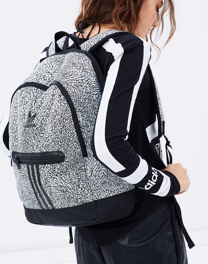 Balo Adidas Graphic Essentials Backpack (Màu Trắng)